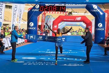 Cosmas Kiplimo Lagat winning the 2016 Seville Marathon (Organisers)