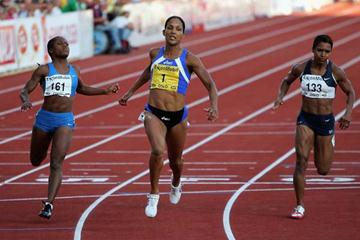Christine Arron of France wins the 100m in Oslo to remain in contention for the Jackpot (Getty Images)
