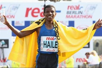 Haile Gebrselassie after his fourth Berlin marathon victory (Getty Images)