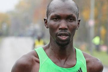 Wilson Kipsang en route to his Frankfurt Marathon title defence (Victah Sailer)