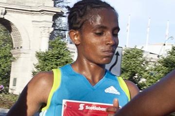 Koren Yal at the 2011 Toronto Waterfront Marathon (Toronto Waterfront Marathon organisers)