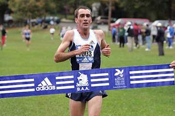Mark Carroll wins the 2004 Mayor's Cup Cross Country race in Boston (Victah Sailer)