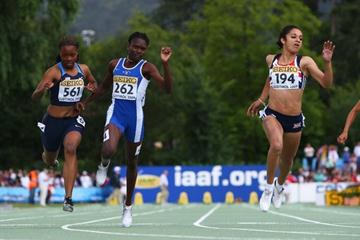 Jodie Williams wins the Girls' 100m final (Getty Images)