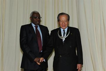 President Diack and Hiraoki Chosa with the IAAF Silver Order of Merit (Bruce Wodder)