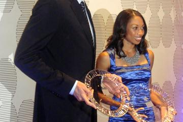 Allyson Felix and Pau Gasol of the Los Angeles Lakers with their LA Athlete of the Year awards (Kirby Lee)