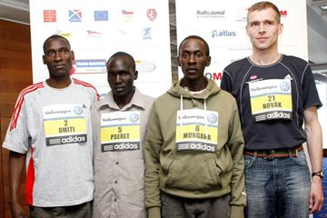 The men's focus in Prague: David Makori Omiti, Benjamin Pseret, Kenneth Mungara and Pavel Novak (Volkswagen Prague Marathon organisers)