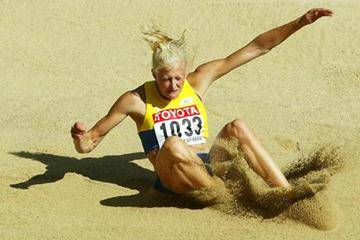 Carolina Kluft in action in the Long Jump of the Heptathlon (Getty Images)