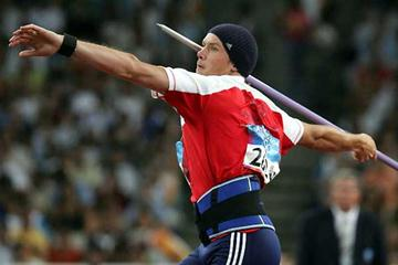 Andreas Thorkildsen of Norway throwing in the Olympic final (Getty Images)