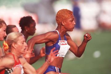 Christine Arron leading the 1998 European Championships 100m final (Getty Images)