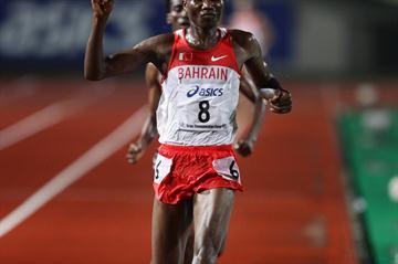 Mahboob Ali Hasan takes the Asian 10,000m title in Kobe (Yohei KAMIYAMA/Agence SHOT)
