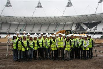 'On Camp with Kelly' athletes visit London's 2010 Olympic Stadium (www.oncampwithkelly.co.uk)