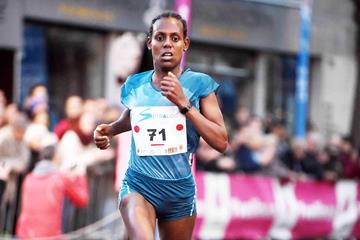 Zerfie Lineneh wins at the 2015 Corrida Pedestre International de Houilles (Jiro Mochizuki)
