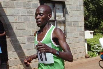 Beating the heat - George Nchoro en route to victory at the Great Lakes Marathon (Titus Munala)