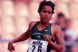 Cathy Freeman in action in the women's 400m (© Allsport)