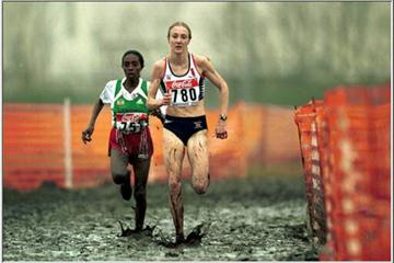 Paula Radcliffe edging Gete Wami in Ostend (© Allsport)