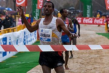 Gebre Gebremariam takes an impressive victory in Alcobendas (Enrique Yuste)