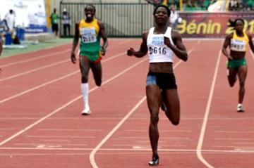 Amantle Montsho defends her African 400m title in Porto-Novo (Yomi Omogbeja/AthleticsAfrica.Com)