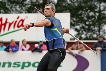 Sergey Makarov throwing in Kuortane (Paula Noronen)