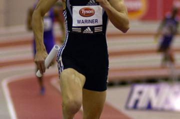 Jeremy Wariner anchors a U.S. squad to a 3:01.96 World indoor record (Randy Miyazaki)