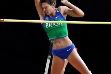 Fabiana Murer of Brazil competing in the Women's Pole Vault Final which she won (Getty Images)