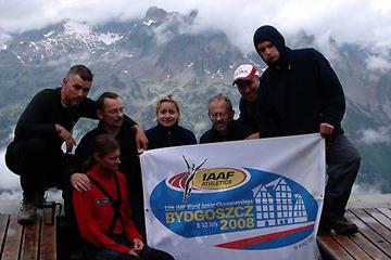 11 Aug 2007 - Even at work on their holidays - members of the Bydgoszcz LOC display flag at the top of Mont Blanc (LOC)