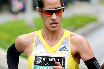 Malika Asahssah in action at the 2013 Ottawa 10km (Victah Sailer / organisers)