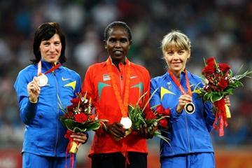 The women's 1500m medallists: Iryna Lischynska, Nancy Lagat and Natalya Tobias (Getty Images)