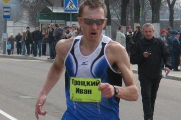 Ivan Trotski en route to his title at the Belarus Race Walking Cup (Mikhail Dubitski)