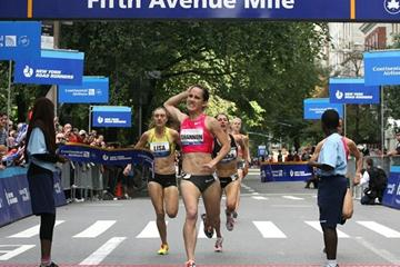 Shannon Rowbury takes a clear win on Fifth Avenue (Lisa Ciniglio/Photo Run)