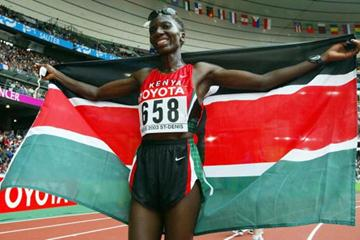 Catherine Ndereba of Kenya celebrates winning the women's marathon (Getty Images)
