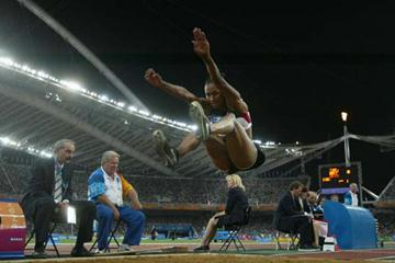 Marion Jones in action in the women's Long Jump (Getty Images)