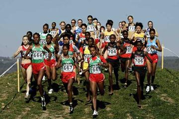 Gelete Burka (667) leads the women's junior race (Getty Images)