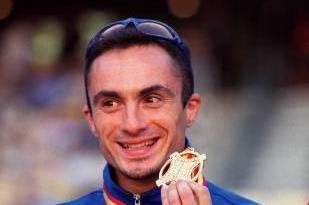 World 400m Hurdles Champion Fabrizio Mori (© Allsport)