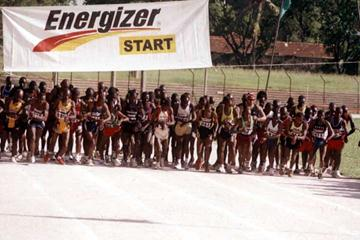 Start of the 2004 Mombasa Marathon, Kenya - 2 May (Gidgeon Maundu)
