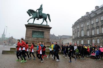 Runners in Copenhagen on Christiansborg Slotsplads - the square in front of the Danish Parliament (IAAF/AI Bank World Half Marathon Championships Copenhagen 2014 LOC)