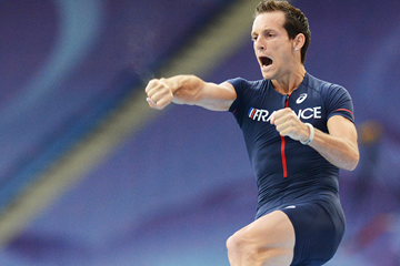 Renaud Lavillenie in the pole vault at the IAAF World Championships (Getty Images)