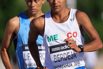 Cristian Berdeja of Mexico in action in the men's 50km race walk (Getty Images)