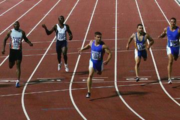 Daniel Batman of Australia wins the 200m at the Melbourne IAAF GP II (Getty Images)