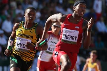 Michael Cherry leads the 4x400m for the US at the IAAF World Junior Championships, Oregon 2014 (Getty Images)