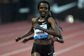 Tirunesh Dibaba wins the 10,000m in Eugene (Kirby Lee - Image of Sport)