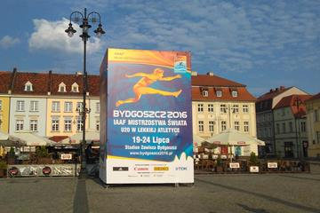 A 6m X 4m advertising cube for the World U20 Championships in Stary Rynek, or Old Market Square, in Bydgoszcz (Bydgoszcz 2016 organisers)