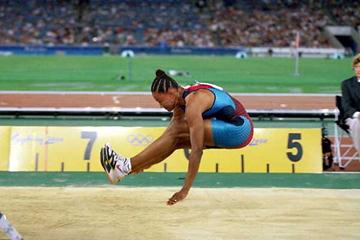 Marion Jones competing in the Olympic Long Jump final in Sydney 2000 (Getty Images)