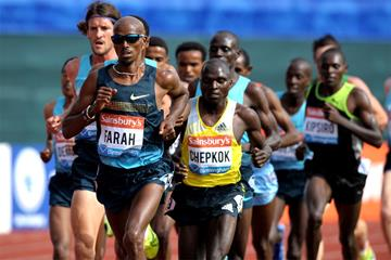 Mo Farah on his way to winning the 5000m at the Birmingham Diamond League (Mark Shearman)