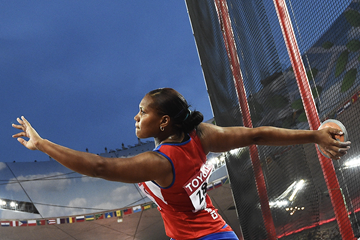 Cuba's Denia Caballero in the discus at the IAAF World Championships, Beijing 2015 (AFP / Getty Images)