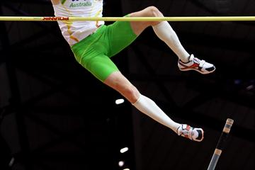 Steven Hooker of Australia on his way to winning gold in the Pole Vault (Getty Images)