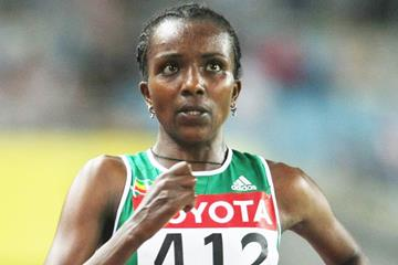 Tirunesh Dibaba on her way to winning the 10,000m at the 2007 World Championships in Osaka (Getty Images)