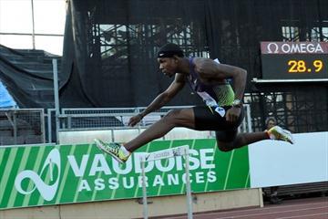 Bershawn Jackson en route to his 47.62 win in Lausanne (Deca Text&Bild)
