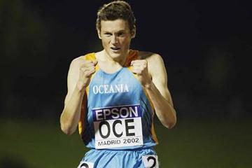 Craig Mottram wins the men's 3000m (Getty Images)