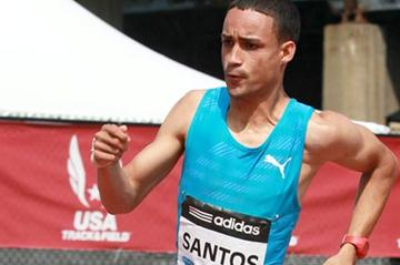 Luguelin Santos en route to victory in the New York 400m (Victah Sailer)