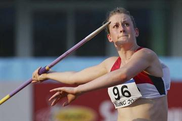 Elizabeth Gleadle of Canada in the Javelin qualification round (Getty Images)